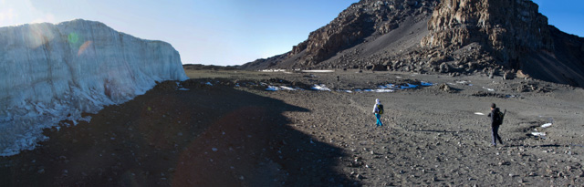At the plateu rim and the first glacier