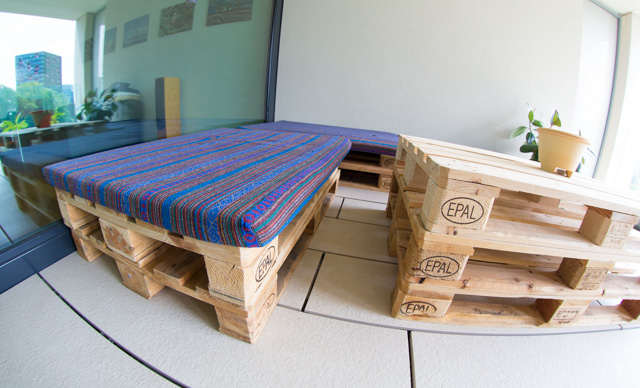 Pallet mats sewn from Thai material