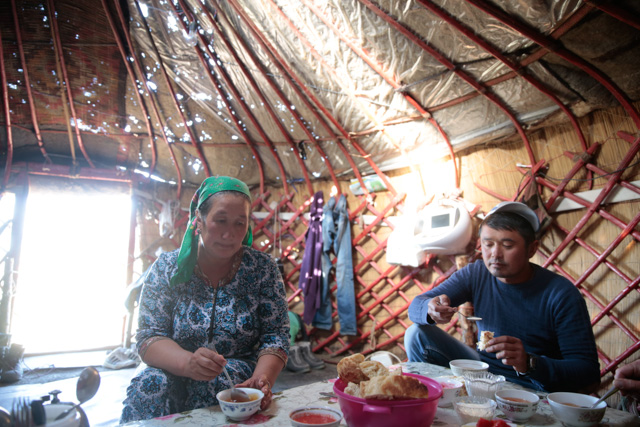 Inside the main yurt for bread and tea. © Shu Yeung
